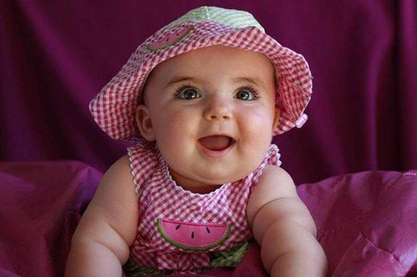 Выбор игрушки ребенку до полугода. Фото